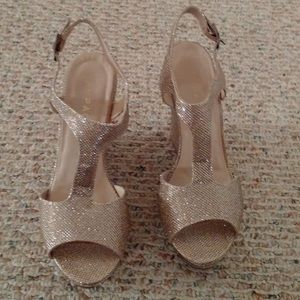Rampage gold glittery wedges